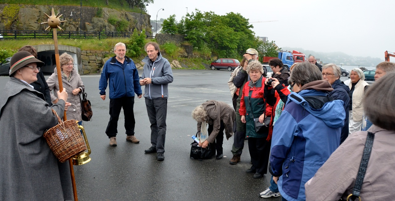 In Farsund, we were greeted by a female watchman and tour guide. Photo: Torbjørn Bøe.